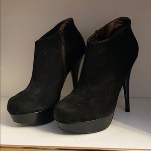 Steve Madden Shoes - Steve Madden Black Suede Leather Ankle Boot